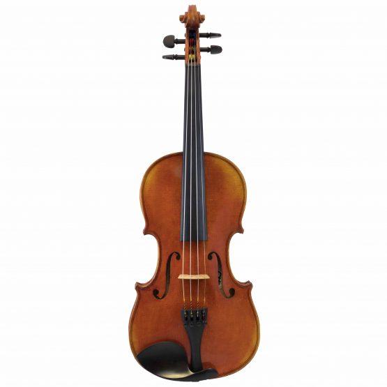 Conrad Gotz Violin full front