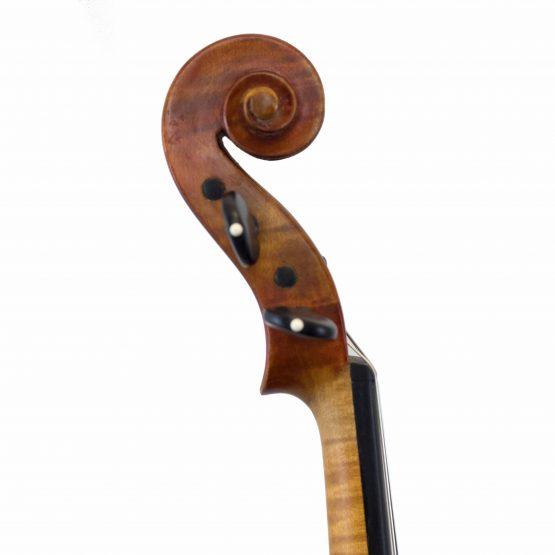 Conrad Gotz Violin scroll